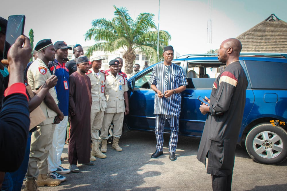 HUNTERS GROUP OF NIGERIA, KOGI CENTRAL, RECEIVES VEHICULAR AID